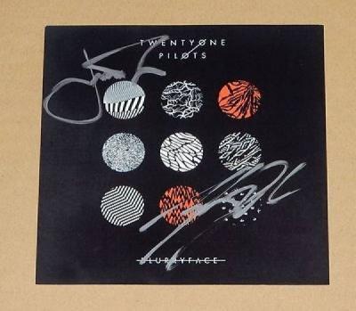 21 Twenty One Pilots Blurryface UK Amazon Ltd Signed Autographed CD RARE New