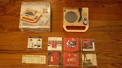 White Stripes Triple Inchophone record player with set of 7 3 vinyl records