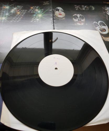 KISS   SELF TITLED DEBUT LP 1975 Rare UK CASABLANCA TEST PRESS IN PROOF SLEEVE