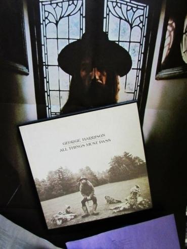 PLAYS CLEAN 1970  ORIG  George HARRISON Clapton RINGO BEATLES psych   POSTER 3LP