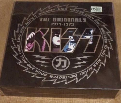 KISS   The Originals 1974 1979  11x 12  Col Vinyl LP s  SEALED BOX SET  Japanese
