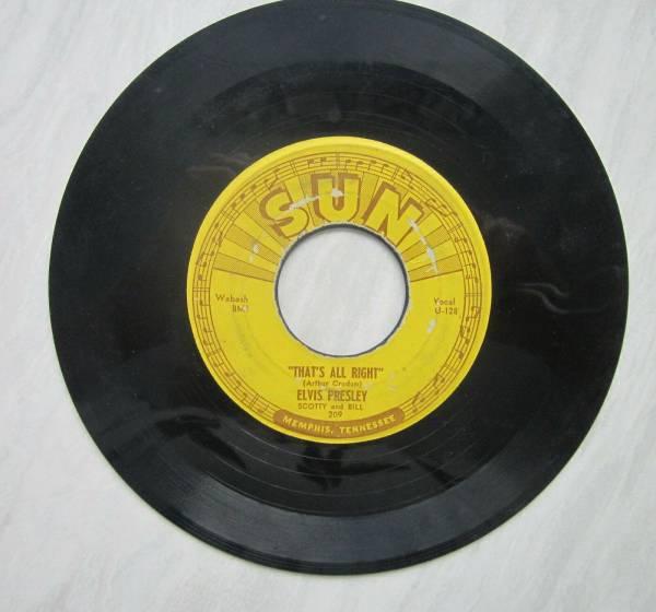 Original Elvis Sun 45  Sun 209    That s All Right  Blue Moon Of Kentucky