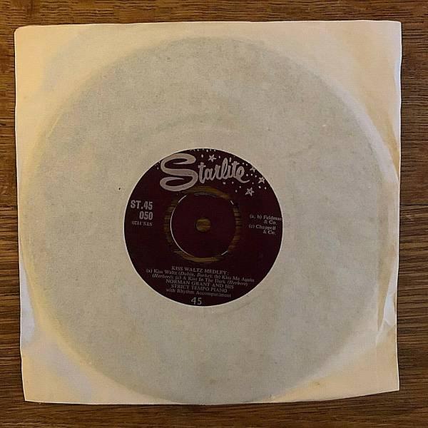 Norman Grant    Kiss waltz   Foxtrot Medley   UK Starlite ST 45 050 Mint
